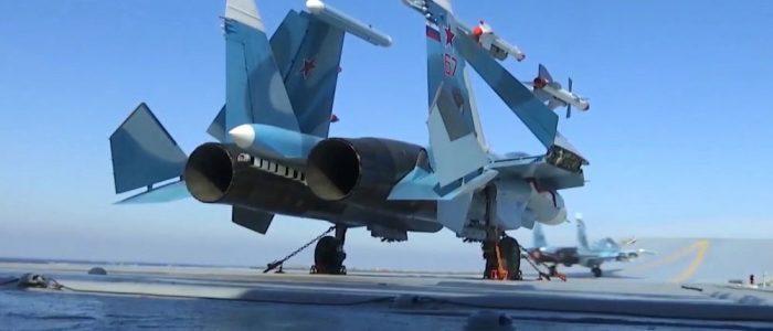 """""""سو-33"""" الروسية بمواجهة """"J-15"""" الصينية… من المنتصر"""
