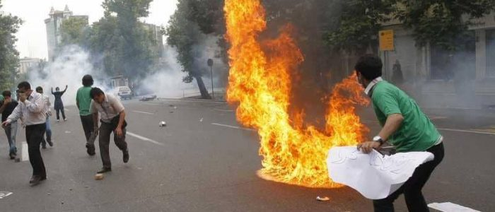 ما مدي عمق الأزمة في إيران؟
