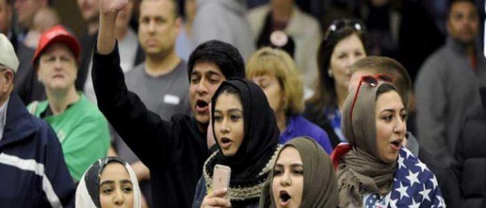 """كوابيس"""" ترامب تساعد على """"صحوة"""" مفاجئة للناخبين المسلمين والعرب في أمريكا خلال موسم الانتخابات"""