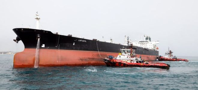 روسيا تعد بمساعدة إيران في بيع نفطها بعد تفعيل العقوبات الأمريكية عليها