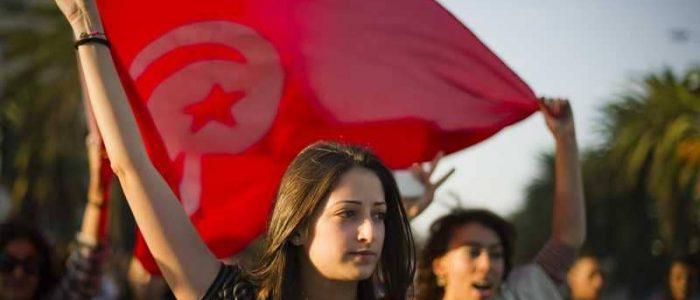 نيويورك تايمز: سنوات من الحروب لم تنتج ديمقراطية مثل تونس.. فهل حان الوقت للقوة الناعمة؟