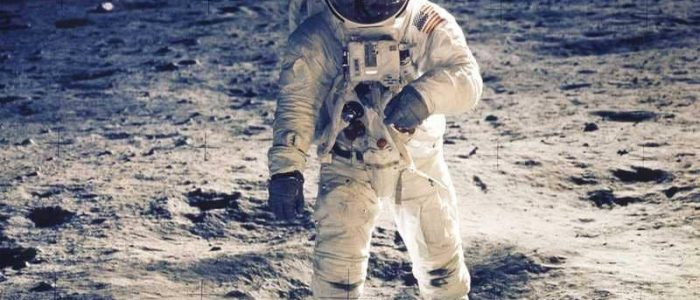 روسيا ترسل بعثة للتحقيق في حقيقة هبوط رواد فضاء أمريكيين على سطح القمر