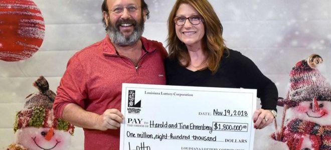 زوجان أمريكيان يعثران على بطاقة يانصيب ربحت نحو مليوني دولار أثناء تنظيف منزلهما