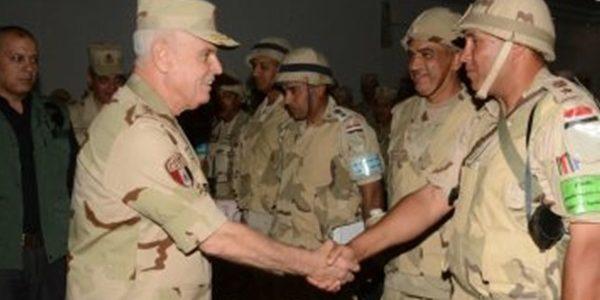 رئيس الأركان يشهد المرحلة الرئيسية لمشروع تدريب تكتيكى لإحدى وحدات الجيش الثانى الميدانى