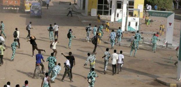 مدير جهاز الأمن والمخابرات السوداني يأمر بإطلاق سراح جميع المعتقلين على خلفية الاحتجاجات في البلاد