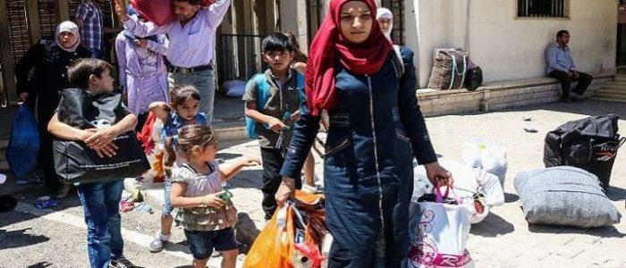 إجلاء 600 سوري من آخر معاقل داعش استعدادا للهجوم الأخير
