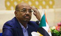 مسؤول عسكري سوداني: البشير طرح قبل خلعه قتل ثلث المتظاهرين