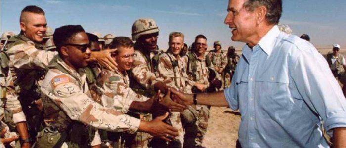 أهم اللحظات في حياة الرئيس جورج بوش الأب من الحرب العالمية الثانية إلى عاصفة الصحراء