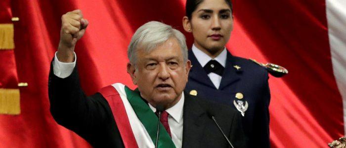 رئيس المكسيك فتح قصر الرئاسة على مصراعيه أمام المواطنين ويتنقل بسيارة متواضعة