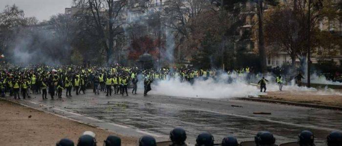 5 أسباب تكشف سبب نزول الفرنسيين للتظاهر في الشوارع