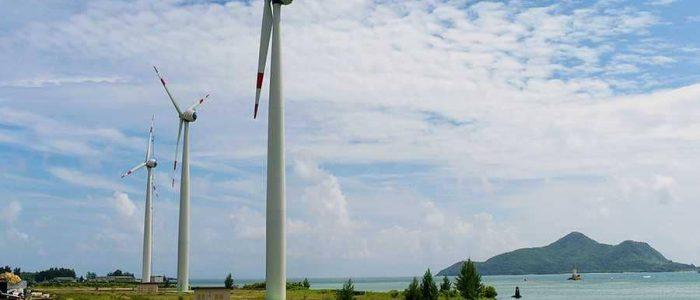 قطر تمول  70 مشروعا للطاقة المتجددة