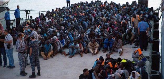 باتريك كوبرن: السياسات الأوروبية سبب موجة الهجرة