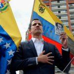 من هو خوان جوايدو الذي أعلن نفسه رئيساً لفنزويلا؟