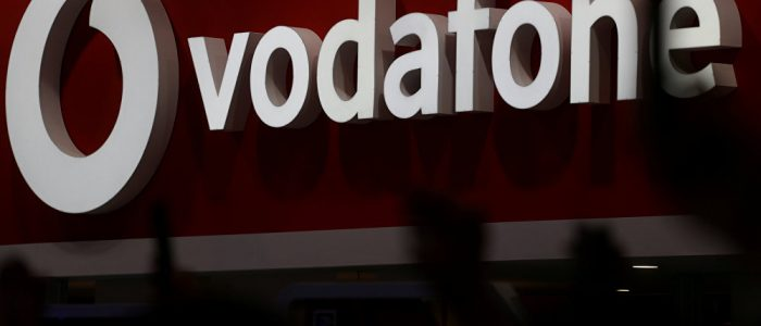 """""""فودافون"""" توقف استخدام معدات """"هواوي"""" في شبكاتها الأساسية"""