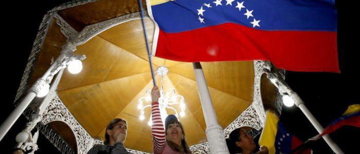 كولومبيا المجاورة لفنزويلا مقبلة على حرب أهلية في حال انخراطها بالأزمة