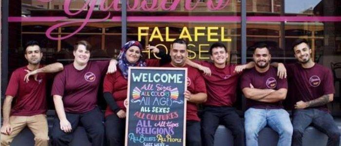 لاجيء سوري يطلق حملة إطعام مجاني بمطعمه لموظفي الحكومة الفدرالية الأمريكية