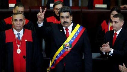 مادورو يتوعد واشنطن بعد فرضها عقوبات على شركة النفط الوطنية
