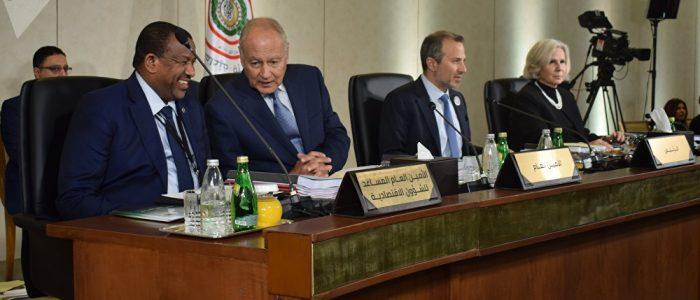الانقسام اللبناني يهدد بفشل القمة العربية
