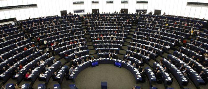 البرلمان الأوروبي يدعو دول أوروبا للاعتراف بجوايدو رئيسا شرعيا لفنزويلا
