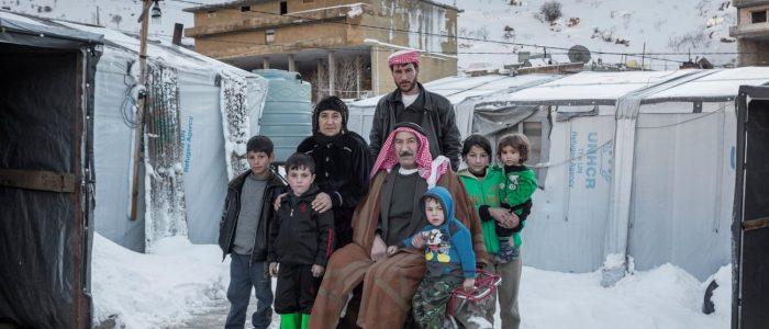 اللاجئون السوريون يخشون العودة رغم قسوة المخيمات