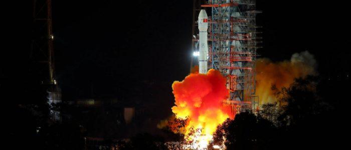 كيف تخطط الصين للفوز بسباق الفضاء على السطح المضيء؟