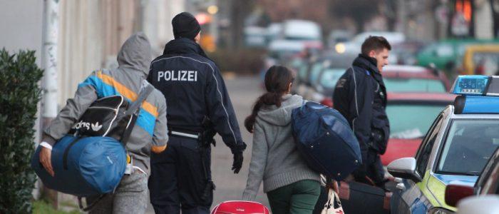 لاجئون سوريون يخاطرون بحياتهم لمغادرة ألمانيا