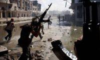 لوموند تحذّر أوروبا من احتمال تحول ليبيا إلى سوريا جديدة وتنتقد موقف باريس المتناقض