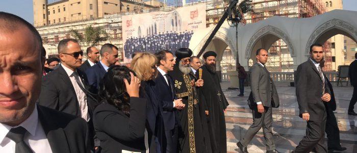 ماكرون وقرينته يتفقدان الكاتدرائية المرقسية بصحبة البابا تواضروس