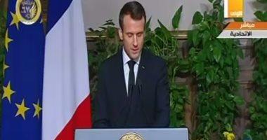 ماكرون يدعو البابا فرانسيس لزيارة فرنسا