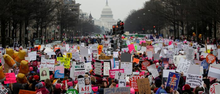 مسيرات النساء تجتاح مئات المدن الأمريكية احتجاجاً على سياسات ترامب