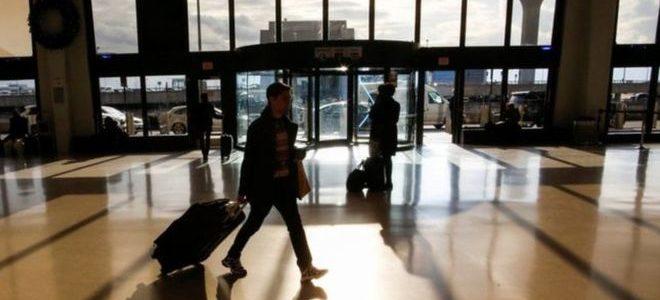طائرتان مسيرتان توقفان الرحلات الجوية في أحد أكبر مطارات الولايات المتحدة