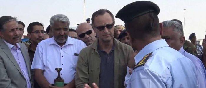 ميليشيات الحوثي تطلق النار على رئيس لجنة إعادة الانتشار