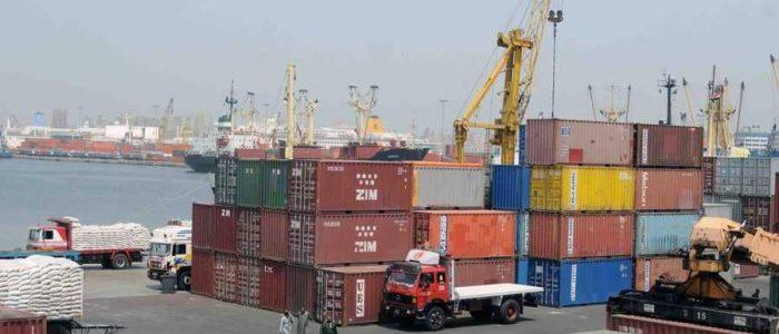 اغلاق ميناءي الإسكندرية والدخيلة بسبب سوء الأحوال الجوية