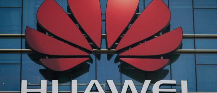 """""""أنفوجراف"""" .. هواوي: ثاني أكبر صانع للهواتف الذكية في العالم"""