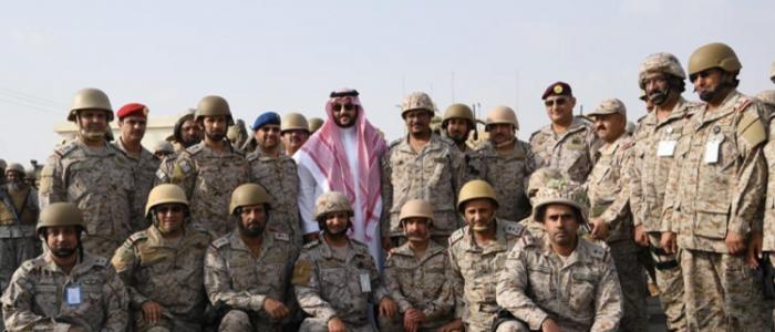 خالد بن سلمان يستهل نشاطاته نائبا لوزير الدفاع بزيارة الخطوط الأمامية للجبهة مع اليمن