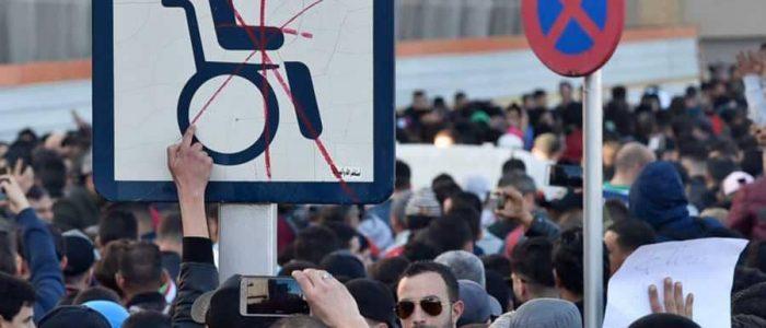 رئيس الوزراء الجزائري يحذر المحتجين من تكرار السيناريو السوري