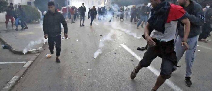 """تحذير من """"الإرهاب والأجندات"""" في الجزائر"""