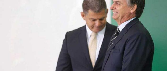 الرئيس البرازيلي يقيل أحد أقرب مساعديه وسط فضحية سياسية