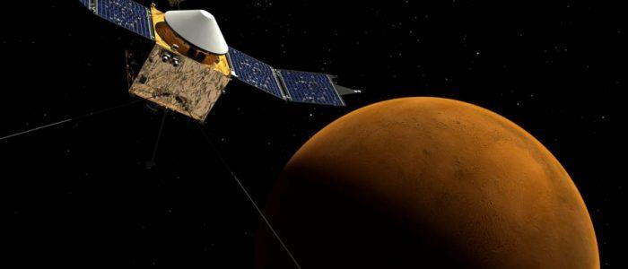علماء يكشفون عن قمر «هيبوكامب» الطائف حول نبتون