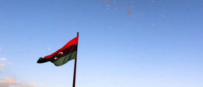 """قوات حفتر تدعو أهالي طرابلس إلى الابتعاد عن أماكن تمركز """"المليشيات"""" في المدينة"""