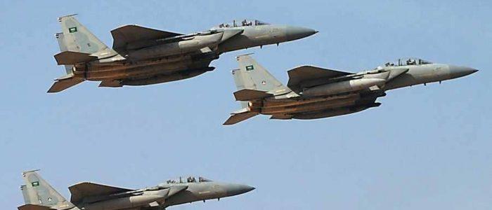 التحالف ينفذ عملية إنزال أسلحة لقبائل حجور في اليمن