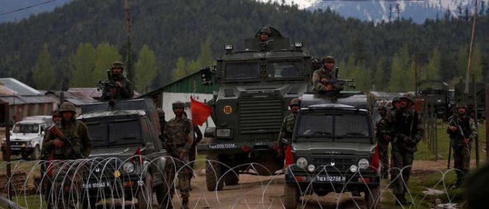 """الهند تحشد تعزيزات في كشمير ومودي يعد بمحاسبة باكستان """"خطوة خطوة"""""""