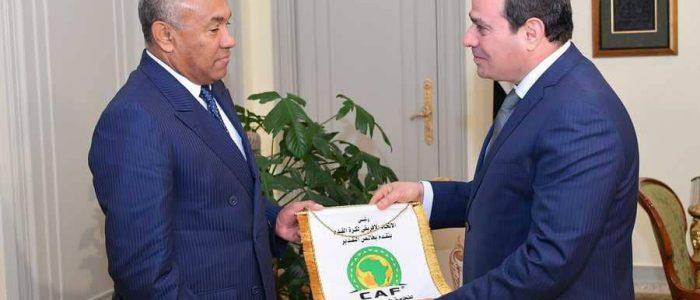 السيسي يستقبل رئيس الاتحاد الأفريقي لكرة القدم
