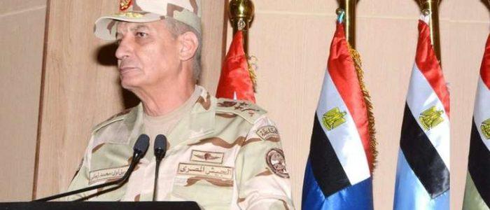 وزير الدفاع يجتمع مع قائد القيادة المركزية الأمريكية لمناقشة الأوضاع بالمنطقة