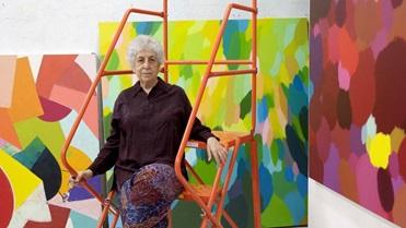 الفنانة التشكيلية سامية حلبي