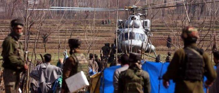 باكستان تغلق مجالها الجوي والهند تغلق 5 مطارات
