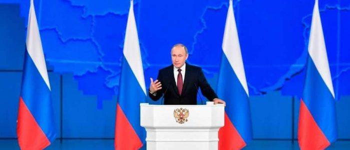 فاينانشال تايمز: بوتين بحاجة إلى أكثر من الإنفاق لتحسين شعبيته في بلاده