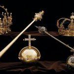 العثور على تاجَين ملكيين مسروقين في «القمامة».. قيمتهما أكثر من 7 ملايين دولار