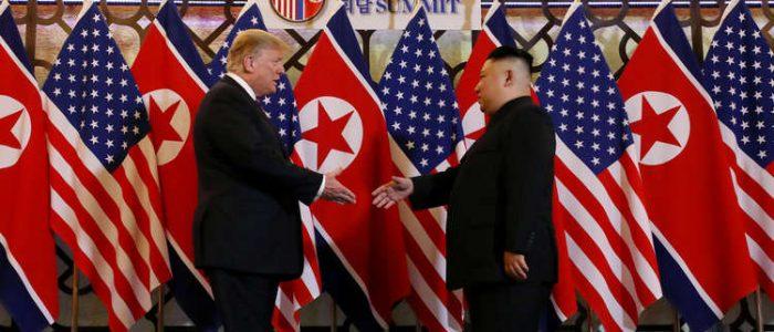 ترامب وكيم يناقشان نزع أسلحة كوريا الشمالية النووية
