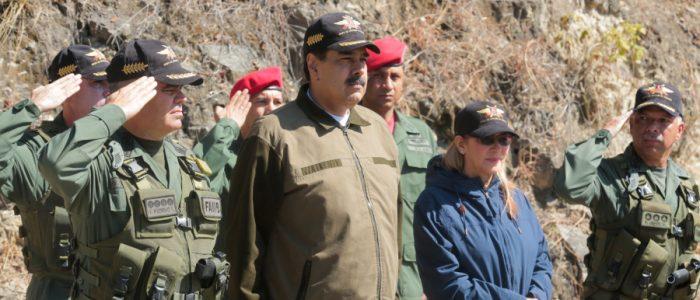 مادورو لأمريكا وحلفائها: ارفعوا أيديكم عن فنزويلا.. شاحنات مساعداتكم كانت محملة بمواد غير إنسانية